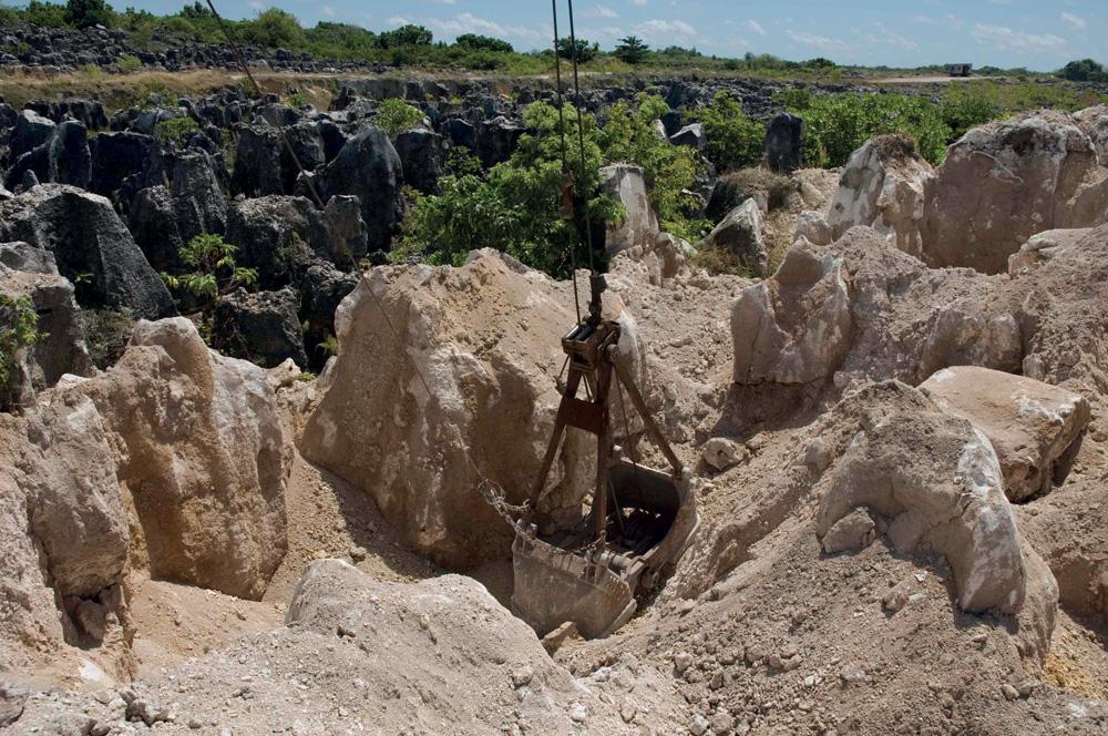18-nauru_secondary_mining
